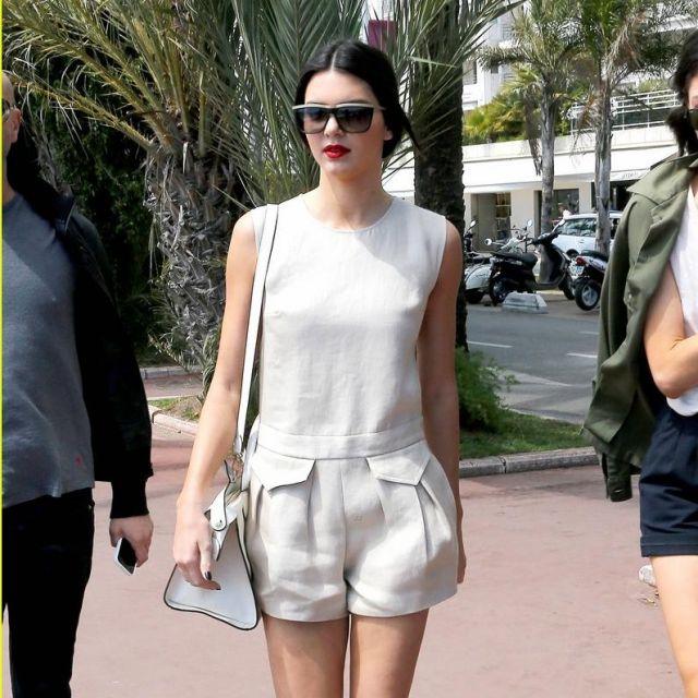 Le combishort / combinaison avec poches beige portée par Kendall Jenner lors du Festival de Cannes 2014 (photo Instagram)