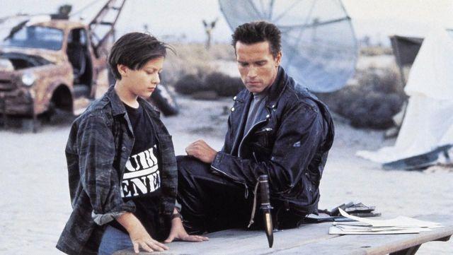 La réplique du blouson noir du T-800 (Arnold Schwarzenegger) dans Terminator 2 : Le jugement dernier