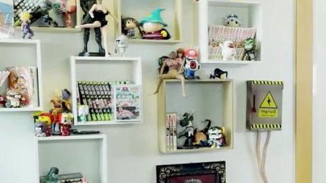La figurine du Professeur Chaos dans la vidéo YouTube UNE AFFAIRE INQUIÉTANTE.. de Squeezie