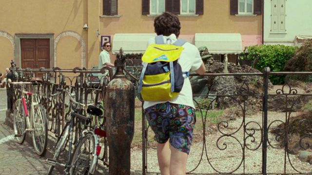 The backpack Invicta Elio Perlman (Timothée Chalamet) in Call Me By Your Name