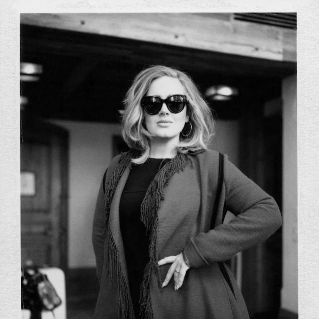 Sunglasses Celine 41755 of Adele on his account Instagram