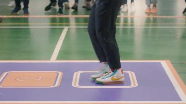 La paire de Nike Blazer portée par Louane dans son clip No