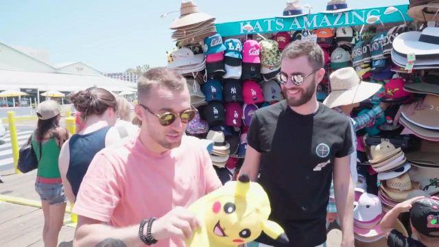 """La casquette basic cap Pikachu de Squeezie dans la vidéo """"On roule en Harley Davidson (Vlog Los Angeles 1)"""""""