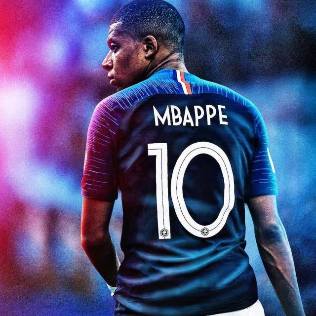 size 40 f68f4 f7c89 The jersey of the Team of France 2018 worn by Kylian Mbappé ...