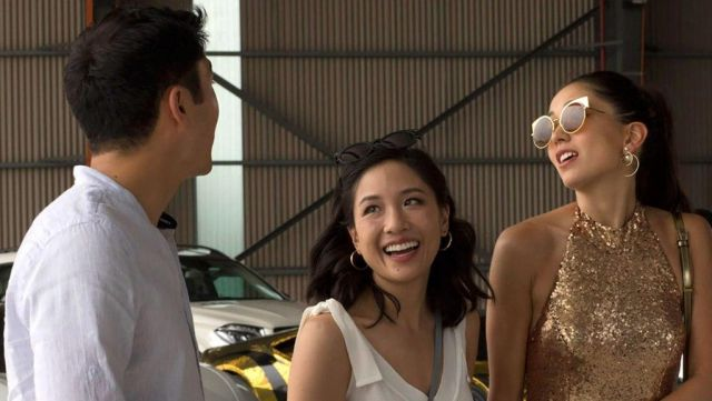 The golden brown sunglasses of Araminta Lee (Sonoya Mizuno) in Crazy rich Asians