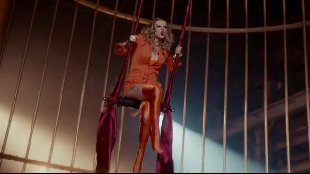"The combination of orange Greg Lauren in the video clip ""look what you made me do"" by Taylor Swift"