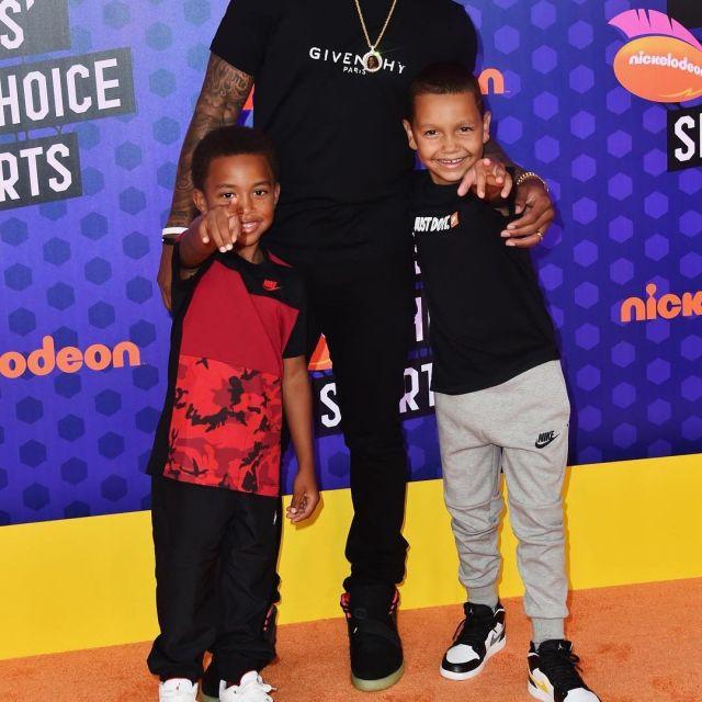 Thomas Nrg Les Yeezy Isaiah Par Sur Nike Air Sneakers 2 Le Portées OXZTPkiwul