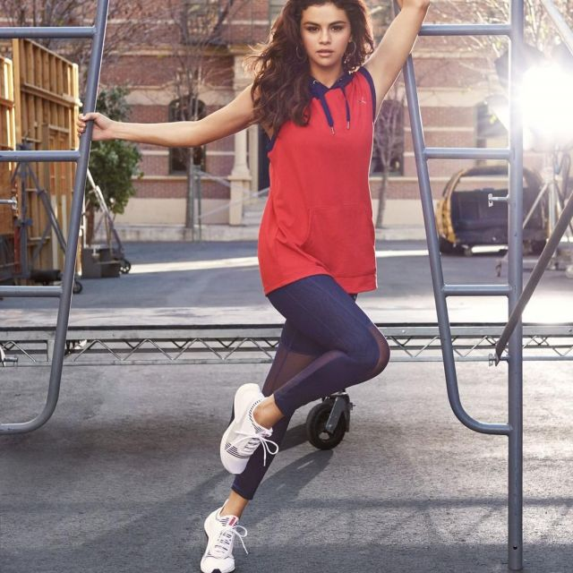 Sport shoes PUMA AMP XT worn by Selena Gomez on the account ...