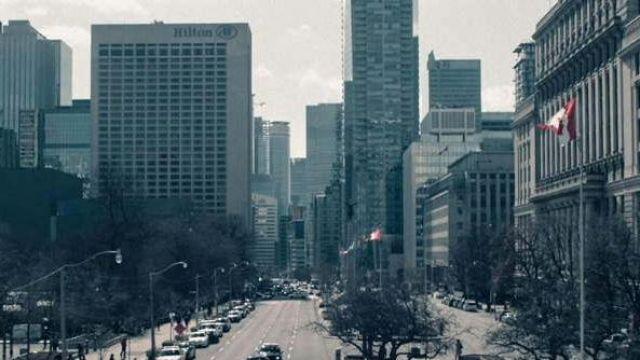 L'hotel Hilton à Toronto au Canada vu dans The Handmaid's Tale S02E09