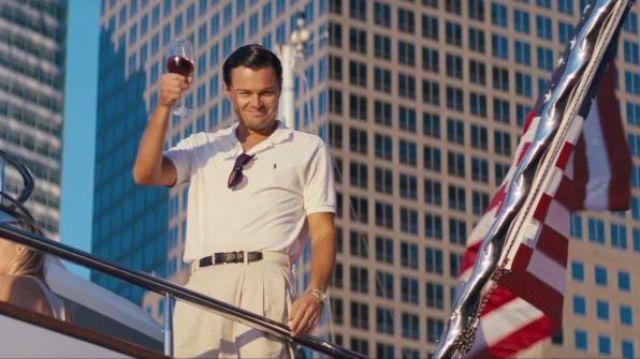 Polo white Ralph Lauren that door Jordan Belfort (Leonardo DiCaprio) in the movie The wolf of Wall Street