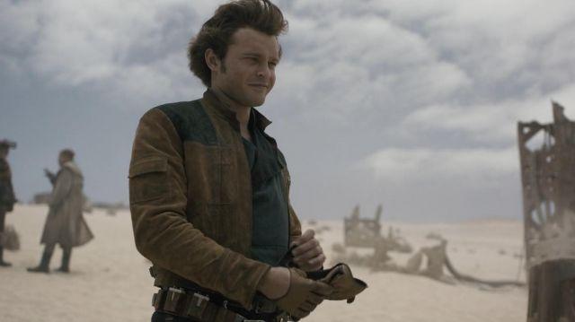 Han Solo's (Alden Ehrenreich) black shirt as seen in Solo: A Star Wars Story