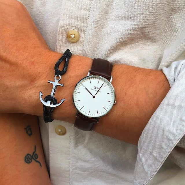pas mal dbcc5 f4d0c The watch Daniel Wellington on the account Instagram of Tom ...