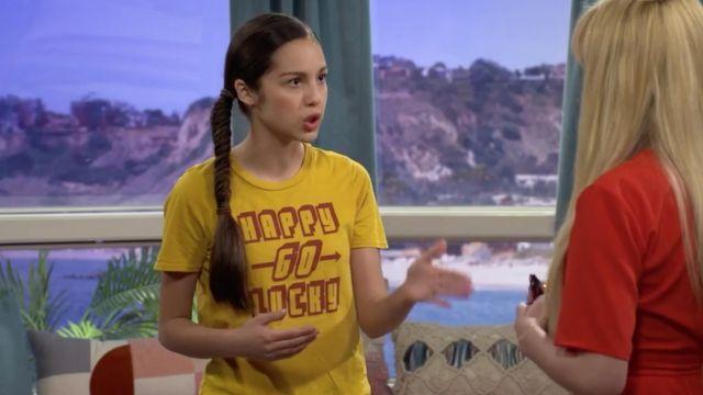 The Yellow T Shirt Happy Go Lucky Worn By Paige Olvera Olivia Rodrigo In Bizaardvark S03e05 Spotern