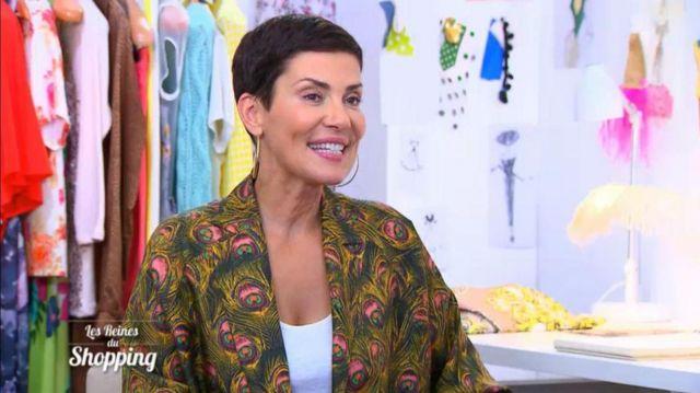 La veste blazer Michel Klein imprimé plumes de paon porté par Cristina Cordula dans l'émission Les reines du shopping du 13/08/2018