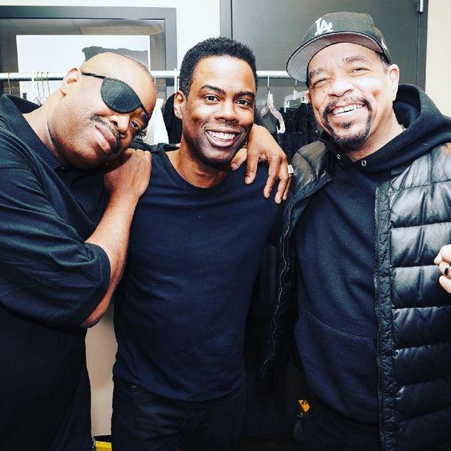 Sweatshirt hoody black worn by Ice T on the account