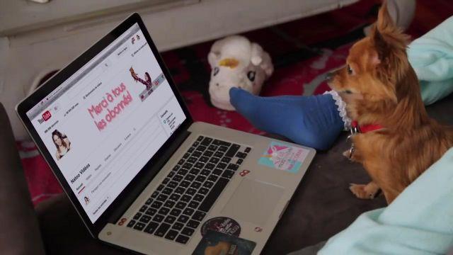 """Les chaussons Licorne porté par Natoo dans sa vidéo youtube """"1 000 000  d'abonnés"""""""