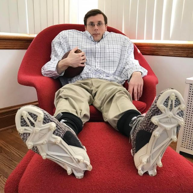 Clavijas cera Punto de referencia  The football cleats Adidas Yeezy 350 Cleat Turtledove the youtubeur Brad  Hall on his instagram | Spotern