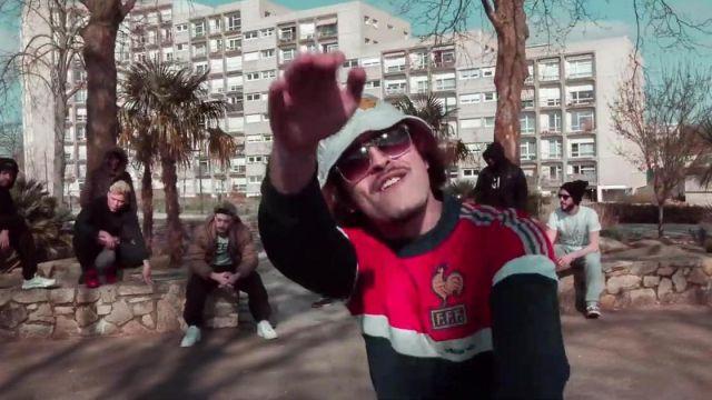 Le sweatshirt Adidas FFF 1982 porté par Lorenzo dans son clip Freestyle du sale