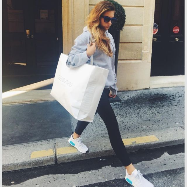 Sneakers Adidas Nmd R1 worn by Thylane Blondeau on his