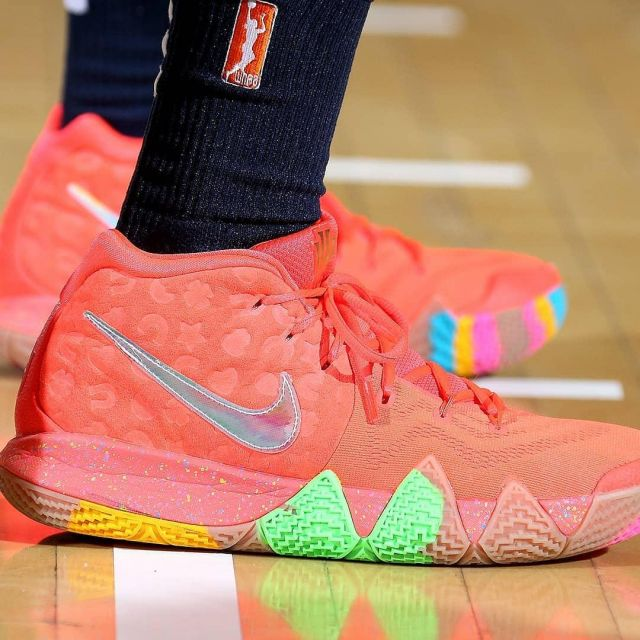 the best attitude be6d9 3c1cb Sneakers Nike Kyrie 4
