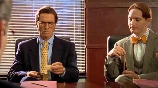 Jaune à Motifs de Cravate portée par Patrick Bateman (Christian Bale dans American Psycho
