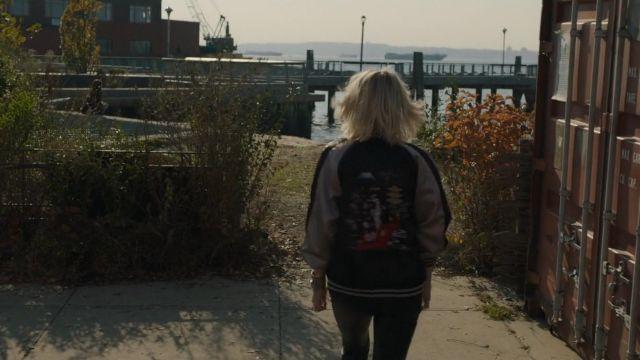 Le Bomber style japonais porté par Lou (Cate Blanchett) dans Ocean's 8