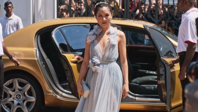 Blue Wedding dress of Rachel Chu (Constance Wu) in Crazy Rich Asians