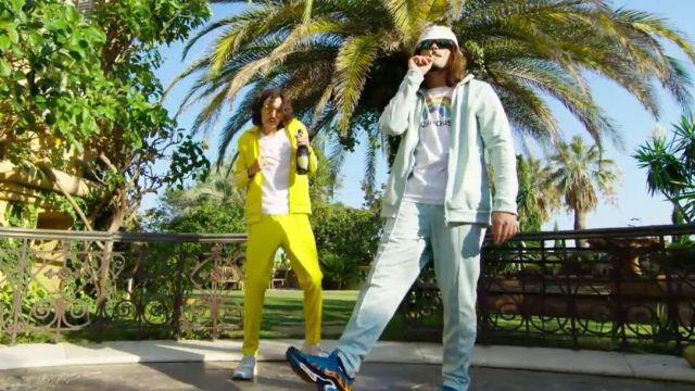"""La veste de survêtement bleue ciel de Lorenzo dans le video clip """"Champagne & Pétou"""" ft. Charles Vicomte"""