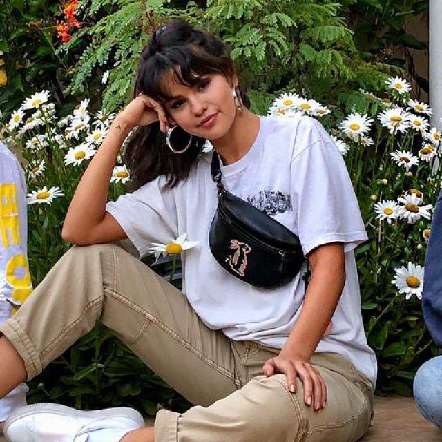 Le sac banane Coach motif Lapin de Selena Gomez sur son instagram @selenagomez