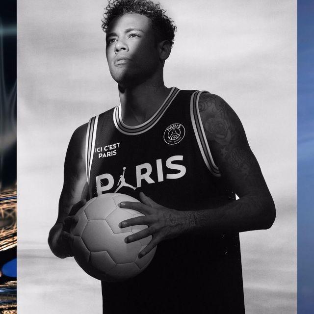 dc92d2b10 The jersey basketball Jordan x PSG worn by Neymar Jr on his account ...