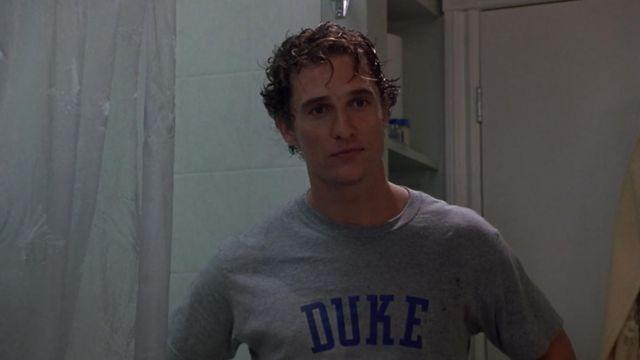 Le t-shirt Duke University de Benjamin Barry (Matthew McConaughey) dans Comment se faire larguer en 10 leçons