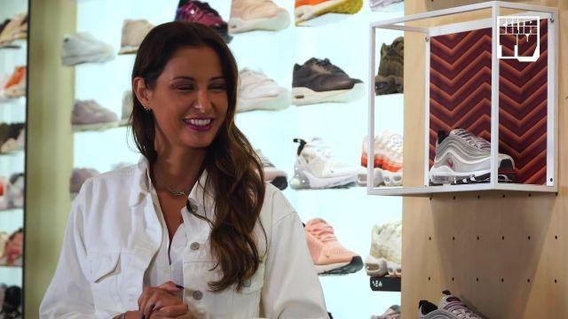 "La paire de Nike Air max 97 Gris dans la vidéo YouTube ""Malika Menard – Bail 2 Sneakers"""