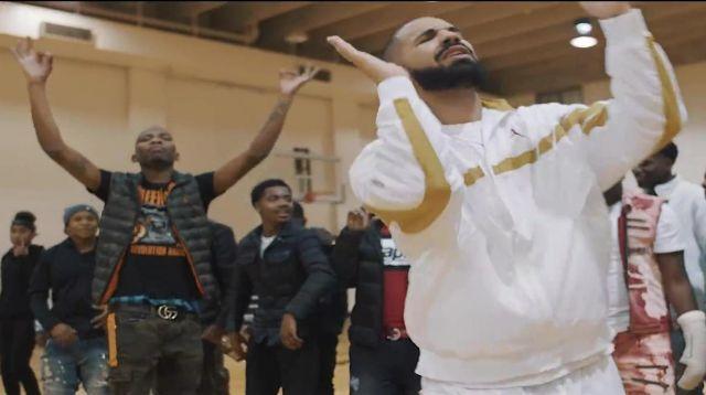 La ceinture Gucci de BlocBoy JB dans le video clip Look Alive avec Drake