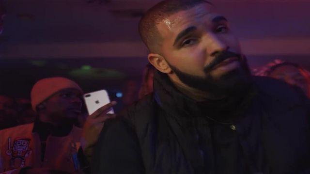 Le smartphone iPhone 7 Plus dans le clip Look Alive de BlocBoy JB & Drake