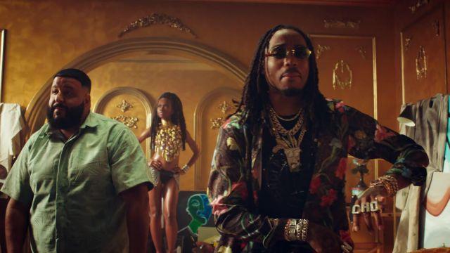 """Les lunettes de soleil Moschino de Quavo dans le video clip """"No Brainer"""" de DJ Khaled ft. Justin Bieber, Chance the Rapper, Quavo"""