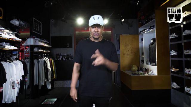 """Le t-shirt oversize noir porté par Baloo dans la vidéo YouTube """"CABALLERO & JEANJASS – Bail 2 Sneakers"""""""