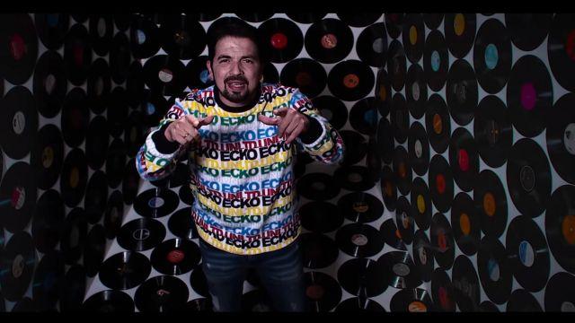 """Le pull Marc Ecko multicolore de Tunisiano dans le video clip """"Headshot"""" de Sniper"""