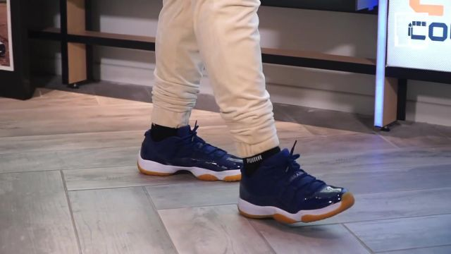 """Les sneakers Nike Air Jordan 11 bleue de Baloo dans la vidéo YouTube """"Kader Diaby 4REAL - Bail 2 Sneakers"""""""