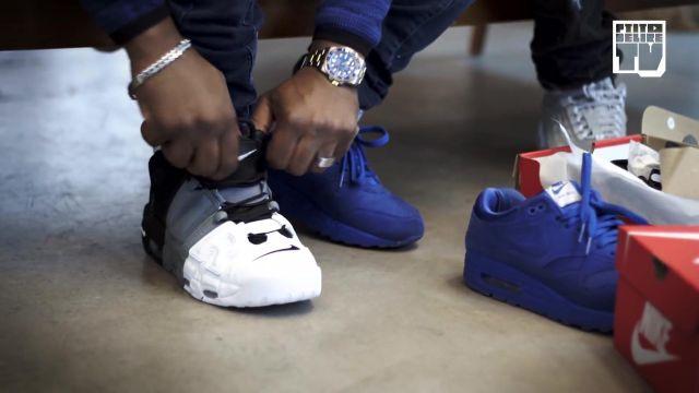 """Les sneakers tricolores (grise blanches et noires) Nike Air Uptempo de Niska dans la vidéo YouTube """"Niska – Bail 2 Sneakers"""""""