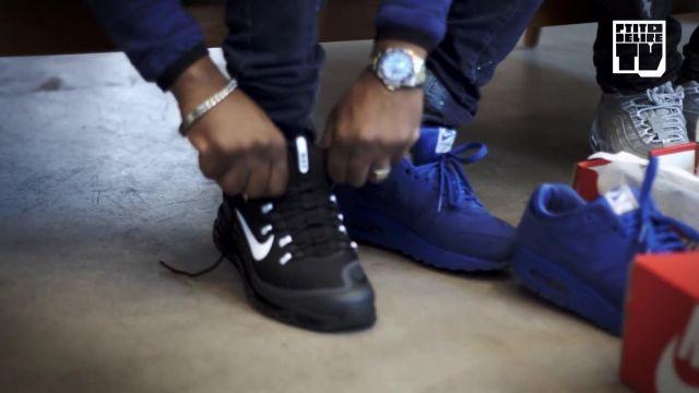 """Les baskets bleues Nike Air Max 1 bleue de Niska dans la vidéo YouTube """"Niska – Bail 2 Sneakers"""""""