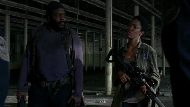 The patch 89th Infantry Division of Sasha Williams (Sonequa Martin-Green) in The Walking Dead (S05E06)