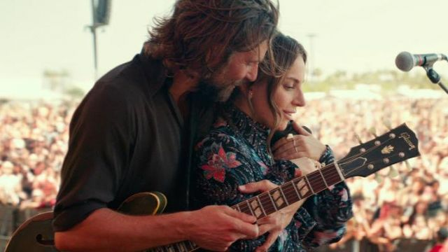 The printed shirt from Ally (Lady Gaga) in A Star Is Born