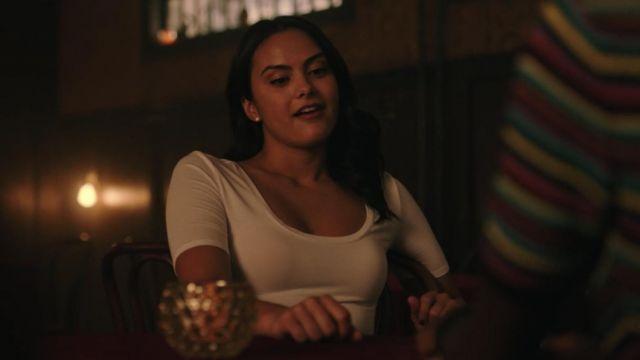 Le t-shirt blanc de Veronica Lodge (Camila Mendes) dans Riverdale (S03E03)