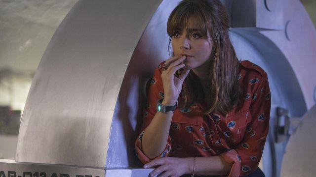 La chemise imprimée portée par Clara (Jenna Coleman) dans Doctor Who S08E02