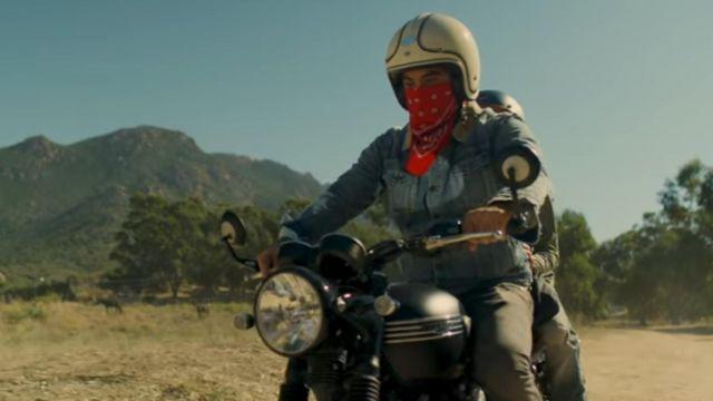The red bandanna worn Kendji Girac in her video clip Tiago