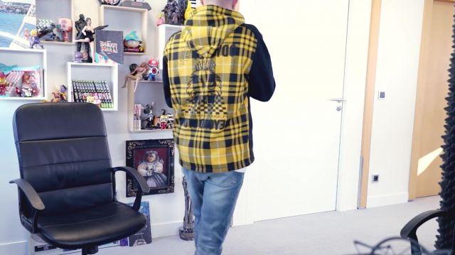 Le sweatshirt McQ Alexander McQueen de Squeezie dans sa vidéo YouTube ÇA COMMENCE BIEN MAIS...
