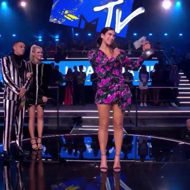 Shoes black Dua Lipa during the MTV EMA's 2018 to Bilbao