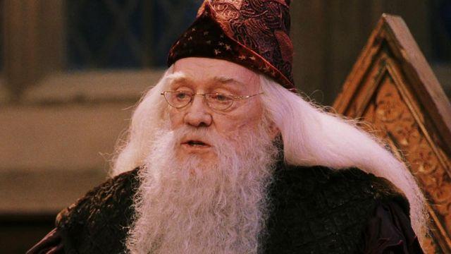 Albus Dumbledore (Richard Harris) demi lune lunettes comme on le voit dans Harry Potter et la Pierre philosophale
