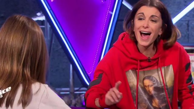 The Hoody Red Monalisa Off White Jenifer In The Voice Kids Fr The 09 11 2018 Spotern