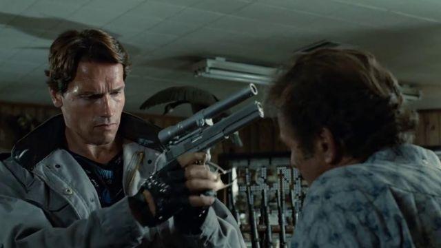 La réplique du pistolet avec viseur laser utilisé par le Terminator T-800 (Arnold Schwarzenegger) dans Terminator